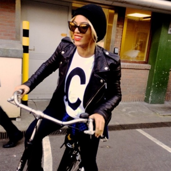 beyonce-in-bici